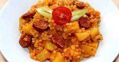 Mennyei Pásztortarhonya recept! A pásztortarhonya egy igazi magyaros fogás, amit az egész családunk nagyon szeret. Igazi bográcsos étel, de sajnos nekünk ritkán van lehetőség a szabadban való főzőcskézésre. Ez persze nem tart vissza attól, hogy bármikor elkészítsem a saját konyhámban ezt a jó kis... Hungarian Recipes, Chana Masala, Fried Rice, Pork, Food And Drink, Ethnic Recipes, Sweet, Drinks, Kale Stir Fry