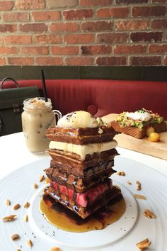 9 Brunches We'd Wait Hours For  #refinery29  http://www.refinery29.com/decadent-brunch-instagram-pictures#slide-1  The…
