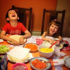 ...cenando con #alegria en #familia #tacos a la #garbarino es el menú de hoy #cosasdepapa