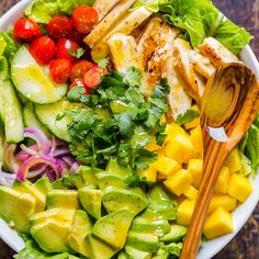 This Chicken Mango Avocado Salad recipe is loaded with juicy chicken, creamy avocado and that sweet pop of mango flavor takes this mango salad over the top. The sweet and tangy honey vinaigrette couldn't be easier! A Cheesecake Factory recipe (copycat). Mango Avocado Salad, Avocado Dessert, Avocado Salad Recipes, Chicken Salad Recipes, Salad Chicken, Mango Chicken, Salad With Mango, Salad With Grilled Chicken, Green Salad With Chicken