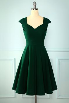 Zapaka Vintage Dark Green Solid Boat Neck A-line Prom Homecoming Dress Pin Up Dresses, Hoco Dresses, Ball Dresses, Pretty Dresses, Beautiful Dresses, Evening Dresses, Bridesmaid Dresses, Formal Dresses, Wedding Dresses