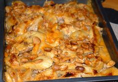 Flygande Jakob (Flying Jacob) - Swedish classic casserole with chicken, bacon, banana, peanut