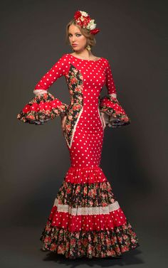 Dance Fashion, Fashion 101, Fashion Dresses, Abaya Fashion, Flamenco Costume, Flamenco Dancers, Dance Costume, Red Frock, Spanish Dress