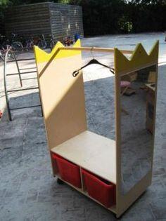 ≥ Kledingrek voor verkleedkleren / poppenhoek, met twee bak - Speelgoed | Overig - Marktplaats.nl