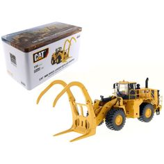 CAT Caterpillar 988K Wheel Loader with Grapple with Operator 1-50 Diecast Model by Diecast Masters