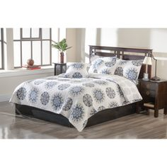 @Overstock - Cover your bed with an attractive Portia design that is sure to bring a fashionable touch to your bedroom. This quilt set includes a quilt and two shams, each decorated in white, blue and yellow hues.http://www.overstock.com/Bedding-Bath/Portia-3-piece-Quilt-Set/7440404/product.html?CID=214117 $74.99