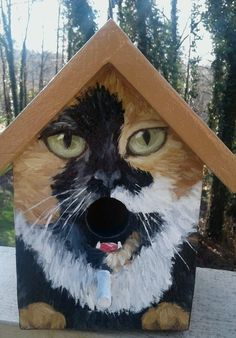 This bird house is a hand painted EXAMPLE of an orange and black calico cat with green eyes. Each birdhouse is one of a kind. Custom orders of various cat breeds are welcome. Makes a great gift for the cat lover! Hand painted wood with acrylics and House Paint Design, Paint Designs, Bird Houses Painted, Bird Houses Diy, Bird House Feeder, Bird Feeders, Cat Design, Wood Design, Custom Design