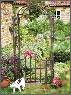garden arches   Mackintosh Garden Arch with Gate-GA07