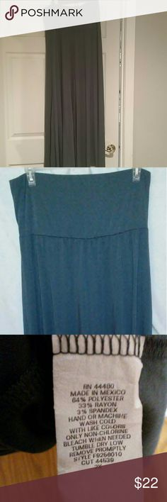 2x plus size maxi dress nwot item silver grey fire loss Angeles Maxi dress 2X true comfy    free shipping priority item is over 1.3 pounds will be shipped priority super flowy long and pretty strapless pull up tube top dress   nwot item has been wash not worn no piling no stains rips tares   torrid Avenue dress barn lane bryant Fire Los Angeles Dresses Maxi