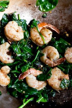 "The classic Chinese way to clean shrimp and ensure a succulent flavor and crisp texture, says Grace Young, author of ""Stir-Frying to the… Shrimp And Spinach Recipes, Fish Recipes, Seafood Recipes, Asian Recipes, Dinner Recipes, Cooking Recipes, Healthy Recipes, Sesame Shrimp, Clean Eating"