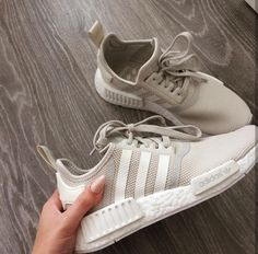 58dac5e92fce38 adidas Originals NMD im creme beige    Foto  kubenkovakaterina (Instagram)  Flache