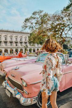 Vintage cars – Laugh of Artist