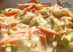This Crunchy Coleslaw is quite easy to prepare & the whole family will enjoy it.The only downfall about this recipe is that you would have to prepare it in Vinaigrette Dressing, Fast Food Chains, Cabbage Salad, American Food, Coleslaw, Potato Salad, Side Dishes, Salads, Veggies