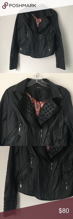 """SEXY GOTH FAUX LEATHER STUD SPIKE MOTO JACKET COAT Tag- RARE Beautiful Gorgeous Jou-Jou Vintage Early 00's 2000's Y2K Floral Flower Silky Interior + Soft Faux Leather VERY Dark Navy Blue Moto Motorcycle Biker Zip Jacket Spiked Spike Studded Stud Distressed Goth Gothic Punk Grunge Alternative  Brand new. Never used. May have minor imperfections. NO major or damaging flaws.  MSRP: $69.50  •Chest- roughly 18"""" across •Length- roughly 20.5"""" long  •NO holds, returns or refunds •NO TRY-ON PICS •ALL…"""
