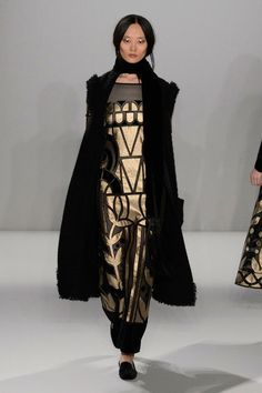 Pin for Later: Alice Temperley Will Wrap You Up For Day and Gild You For Night Temperley London Autumn/Winter 2015