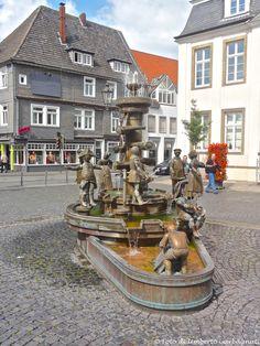 ... fontana con personaggi movibili ... Lippstadt (D) - 27/06/2015    -  © Umberto Garbagnati -
