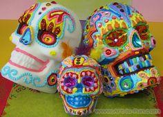 colorful-life-size-sugar-skulls.jpg (750×538)
