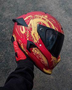 Motorcycle Helmet Design, Motorbike Girl, Motorcycle Bike, Concept Motorcycles, Cool Motorcycles, Riding Gear, Riding Helmets, Helmet Paint, Full Face Helmets