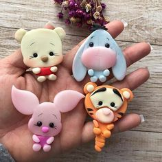 60 beauty and easy polymer clay ideas for beginners kawaii Easy Polymer Clay, Polymer Clay Kunst, Polymer Clay Kawaii, Polymer Clay Figures, Polymer Clay Animals, Polymer Clay Miniatures, Polymer Clay Projects, Polymer Clay Charms, Polymer Clay Creations