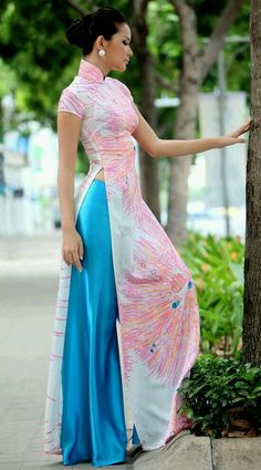 Vietnamese traditional dress❤❤❤ #aodai #fashion #culture #ethnicwear. For More Follow Pinterest : @reeetk516