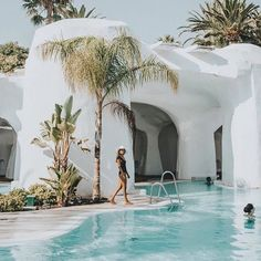 Need to teleport to here! @doncarlosresort #marbella #spain Xo Jayde TRAVELLERSROBE.COM @belenhostalet . . . . . . . #travellersrobe #summer #style #australia #boutique #queensland #fashion #fashionista #vacationmode #gypsy #traveller #australianfashion #australianstyle #fashionblogger #girl #resortwear #boho #bohochic #wanderlust #vacaymode #resort #hotel #pool #europeansummer #europe #boutiquehotel #travelinspo