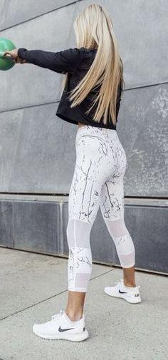 Stylish active wear | Nike | Marble Leggings | #nike #activewear #marbleleggings Leggings Mode, Nike Leggings, Leggings Fashion, Cheap Leggings, Yoga Leggings, Printed Leggings, Tight Leggings, White Leggings Outfit, Maroon Leggings