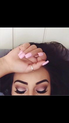 Amazing soft cut crease, pink tones. Perfect for fall 2015
