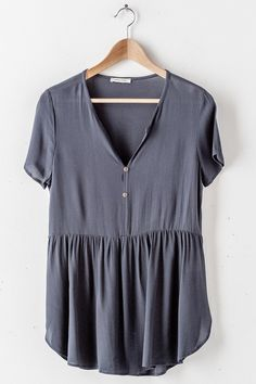 I love an oversized babydoll top. Paired with leggings and birkenstocks is such a cute, casual outfit. Casual Outfits, Summer Outfits, Cute Outfits, Fashion Outfits, Fashion Tips, 70s Fashion, Pretty Outfits, Korean Fashion, Womens Fashion