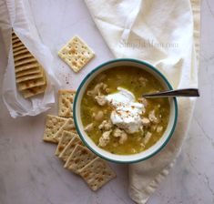 Since starting Stay Fit Mom back in January Ive been waiting for Fall to share some of my favorite Fall time family rec. White Chili, White Chicken Chili, Chili Recipes, Soup Recipes, Dinner Recipes, Clean Recipes, Healthy Recipes, Delicious Recipes, Healthy Foods
