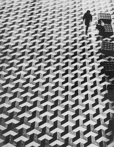 pkam:  Bedrich Grunzweig - TWA Airport Lounge Geometric Floor