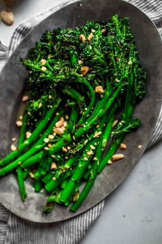 Grilled Broccolini With Apple Cider Vinaigrette These healthy Friendsgiving appetizers, side dishes, and desserts are sure to please a crowd. Pasta Side Dishes, Side Dishes For Bbq, Side Dish Recipes, Yummy Recipes, How To Cook Broccoli, Broccoli Recipes, Garlic Broccoli, Broccoli Salad, Roasted Garlic