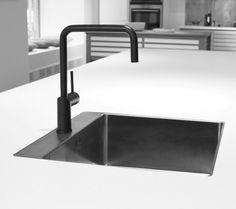 Nivito kraan RH320 mat zwart