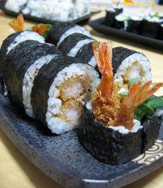 A VOS BAGUETTES!: Futomaki aux crevettes panées