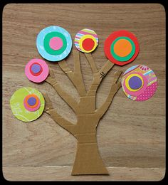 famous art for kids | Kandinsky Cardboard Paper Tree | EasyCraftsForChildren Kandinsky For Kids, Kandinsky Art, Cardboard Crafts Kids, Cardboard Paper, Preschool Art Projects, Arts And Crafts Projects, Famous Artists For Kids, Family Tree Art, Family Tree For Kids