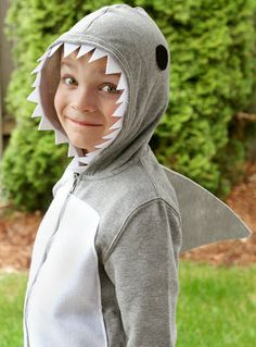 DIY Halloween Costumes - Shark - what im being for halloween next year