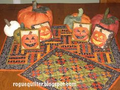 rogue quilter blog...great halloween quilts!