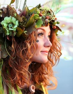 Mother Nature costume- Okay.now this may be an excuse to dress up this halloween! Scary Halloween Costumes, Spooky Halloween, Fairy Costumes, Fairy Costume Adult, Mother Nature Costume Halloween, Halloween Ideas, Woodland Fairy Costume, Irish Costumes, Halloween 2015