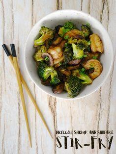 Broccoli, Shrimp, and Shiitake Stir-Fry - Living La Vida Holoka - http://www.livinglavidaholoka.com/broccoli-shrimp-shiitake-stir-fry/
