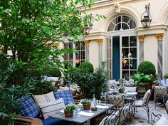 The garden at Ralph's Restaurant is a favorite spot in Paris and a must-see for any visit Outdoor Living Rooms, Outdoor Dining, Outdoor Spaces, Outdoor Decor, Terrace Restaurant, Restaurant Design, Back Gardens, Outdoor Gardens, Back Patio