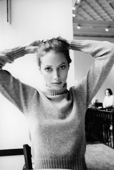 14 Iconic Sweater Weather Babes: From Karlie Kloss to Charlotte Rampling – Vogue – Christy Turlington - 14 Iconic Beauties Who Prove Why Great Hair and Good Sweaters are a Perfect Match Christy Turlington, Pamela Hanson, Linda Evangelista, Pretty People, Beautiful People, Beautiful Women, Simply Beautiful, Charlotte Rampling, Lauren Hutton