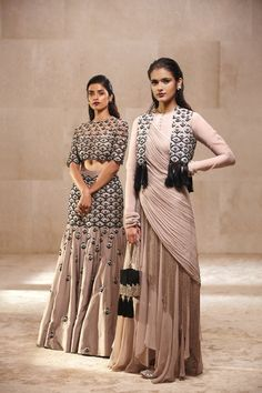 Ridhi Mehra Embellished Lotus Blouse With Skirt – Terra Inde Designer Party Wear Dresses, Indian Designer Outfits, Indian Outfits, Indian Clothes, Stylish Dresses, Fashion Dresses, Collection Eid, Gown Party Wear, Party Gowns