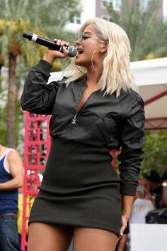 Recording artist Bebe Rexha performs at the Flamingo Go pool at Flamingo Las Vegas on September 2017 in Las Vegas, Nevada. Bebe Rexha, Star Fashion, Girl Fashion, Looks Pinterest, Tv Girls, Stage Outfits, Female Singers, Celebs, Celebrities