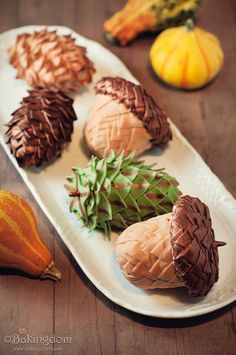 DIY Rice-Krispy-Treat-Acorns-and-Pinecones