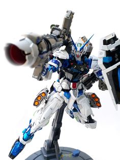 Rendy is in loved with the Astray Blue Frame, and now it's a NilsonWorks brand. Gundam Build Fighters, Gundam Astray, Frame Arms Girl, Furry Wolf, Cool Robots, Fantasy Beasts, Custom Gundam, Custom Paint Jobs, Custom Action Figures