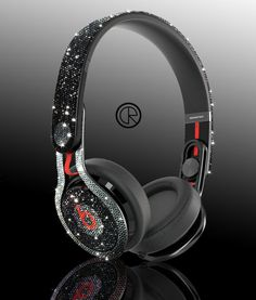 Crystal Rocked has something new and very exciting to offer: the Swarovski Dr Dre Mixr Headphones. Covered with crystals, the headphones are Beats Studio Headphones, Cute Headphones, Sports Headphones, Wireless Headphones, Fashion Headphones, Beats By Dre, Cheap Beats, In Ear Buds, Skullcandy Headphones