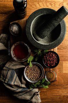 Calabaza asada con kale, feta y granada Feta, Granada, Gourmet Recipes, Healthy Recipes, Herb Seeds, Spices And Herbs, Healthy Fruits, Mortar And Pestle, Food Inspiration