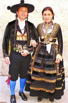 Costume of Burgos, Spain Tribal Costume, Folk Costume, Ethnic Outfits, Ethnic Dress, Folk Clothing, Historical Clothing, Spanish Costume, Beautiful Costumes, Ethnic Fashion