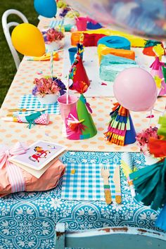 8 creative kids' birthday party ideas. Styling by Julia Green, Poppies For Grace, Rachel Hoyne, and photography by Armelle Habib.