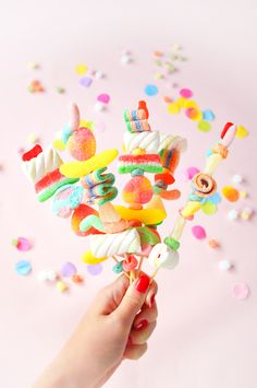 Do It Yourself Discover Ideas Candy Pop, Sour Candy, Soirée Pyjama Party, Candy Kabobs, Rainbow Treats, Sleepover Birthday Parties, Troll Party, Candy Buffet, Dessert Buffet