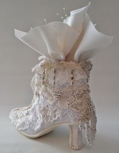 Shabby chic lace shoes makeover by Anne Rostad